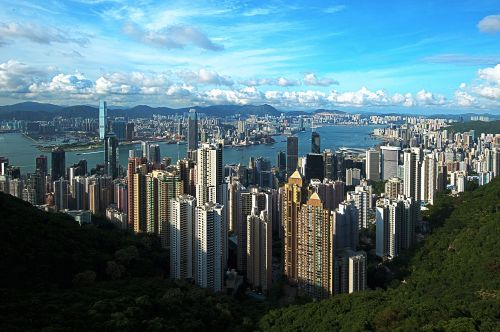 1280px-1_hongkong_panorama_victoria_peak_2011